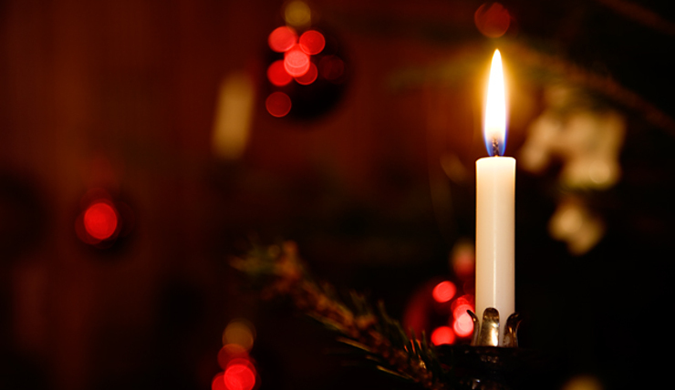 God jul och gott nytt år önskar vi på Fastighetsmäklarförbundet