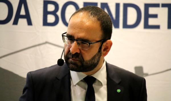 Mehmet Kaplan avgår