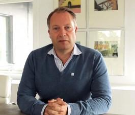 Johnér Bildbyrå AB +46 8 644 83 30 www.johner.se info@johner.se sales@johner.se