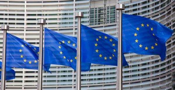 EU-kommissionen vill sänka kraven på svenska fastighetsmäklare